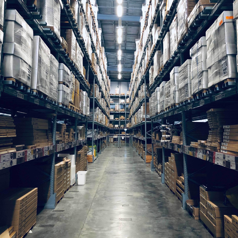 Flexe warehouse interior web landing page 3000x3000